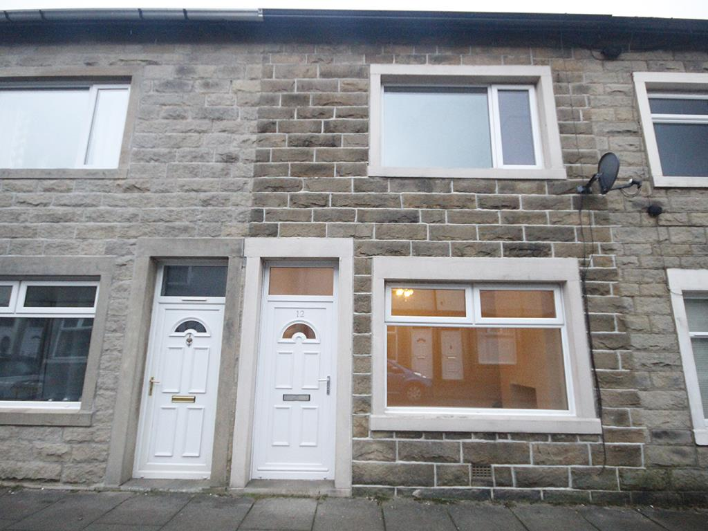 2 bedroom mid terrace house For Sale in Barnoldswick - Property photograph